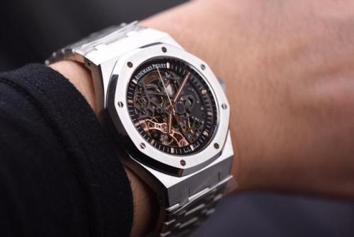 爱彼手表多少钱_深圳横岗哪里有爱彼手表回收店