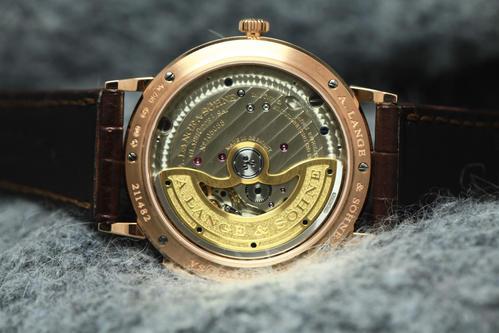 手表卖价格_深圳少年宫朗格saxonia系列手表回收多少钱?