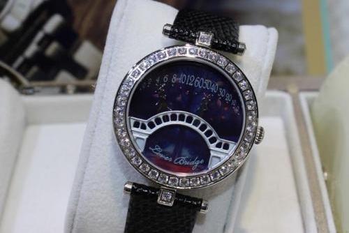 手表卖的价格_深圳罗湖二手梵克雅宝手表回收行情