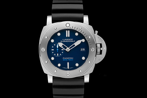 沛纳海SUBMERSIBLE 潜行系列PAM00692手表