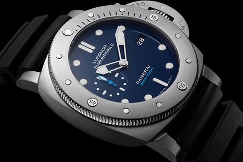 沛纳海SUBMERSIBLE 潜行系列PAM00692手表外观