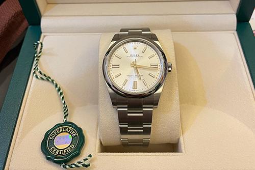 劳力士蚝式恒动系列m124300-0001腕表回收