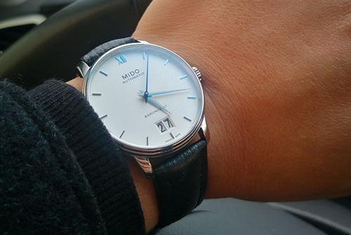 美度贝伦赛丽系列M027.426.11.018.00腕表回收
